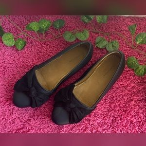 Comfortview Women's Black flat shoes with bow